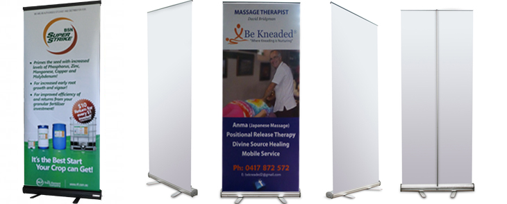 Retractable_standard_banner_stands
